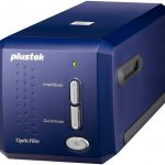 Plustek - OpticFilm 8100 - Scanner de Diapositives et de négatifs - 7200dpi/LED/SilverFast Se Plus